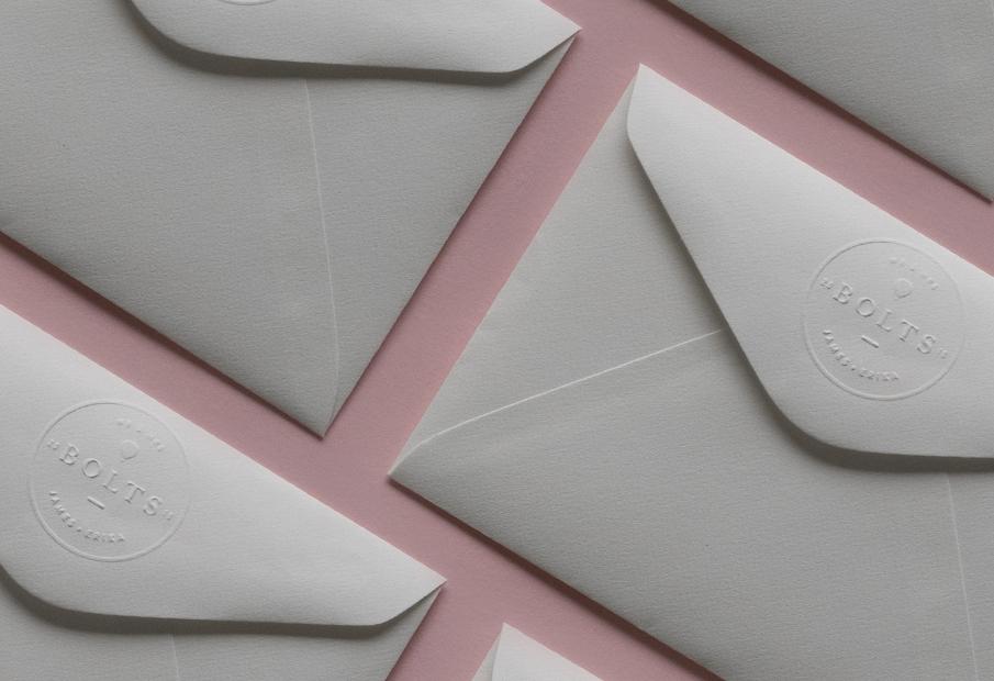 convite casamento mapa mundo: pormenor envelope
