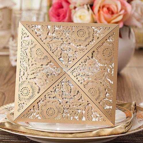 convite de casamento com rendilhado em papel