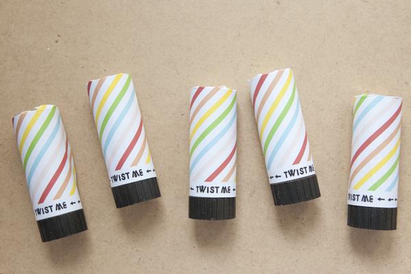 convite de casamento confettis tubos