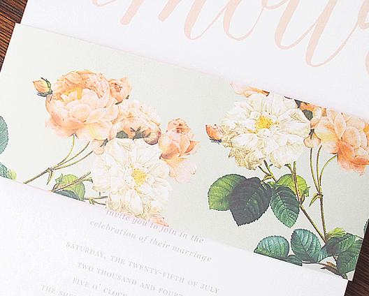 Convite de casamento floral com fio_pormenor