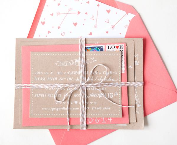 Convite de casamento Kraft e manuscrito embalagem