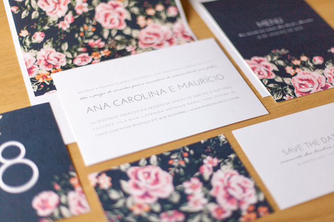 convite de casamento floral premium