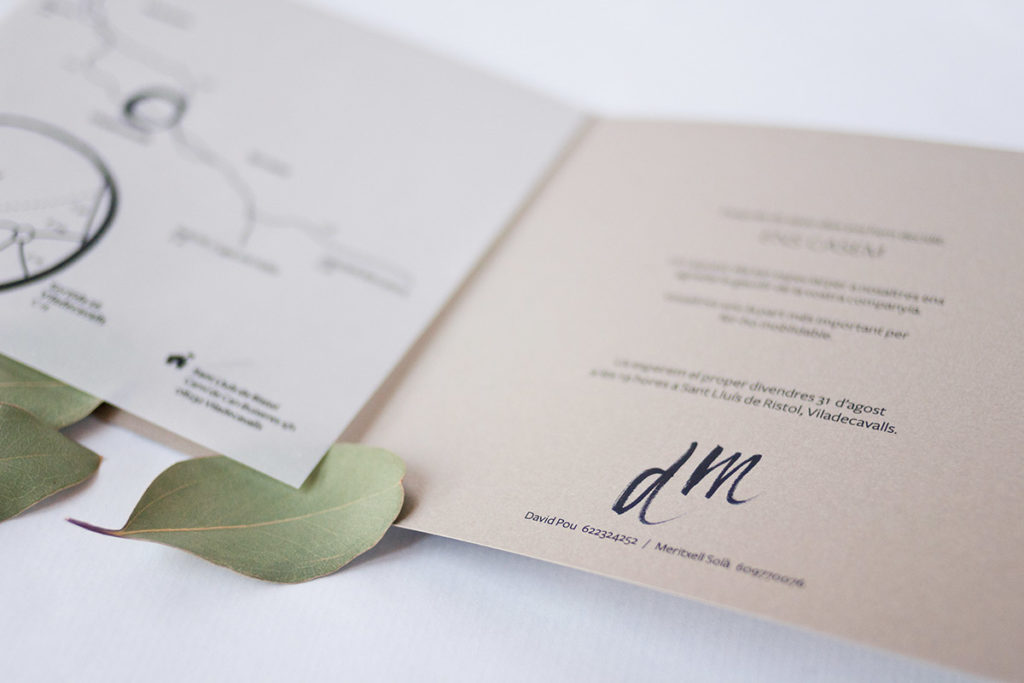 convite de casamento tipografia abstrata - aberto