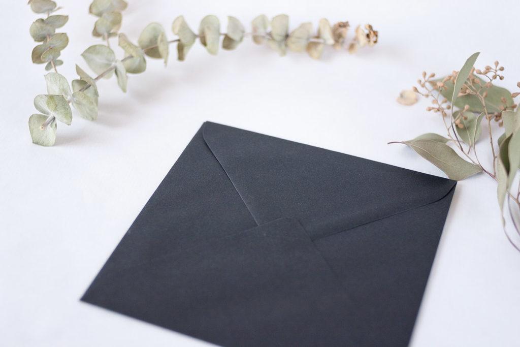 convite de casamento tipografia abstrata - envelope