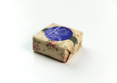 convite-casamento-personalizados-sabonete-shine-flower-blue-01