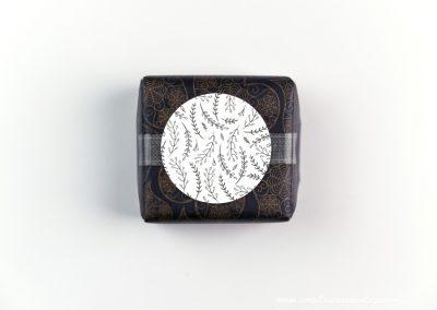 convite-casamento-personalizados-sabonete-shine-flower-lines-02