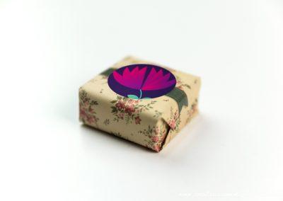 convite-casamento-personalizados-sabonete-shine-flower-purple-01