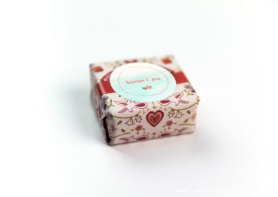 convite-casamento-personalizados-sabonete-shine-flower-stamp-03