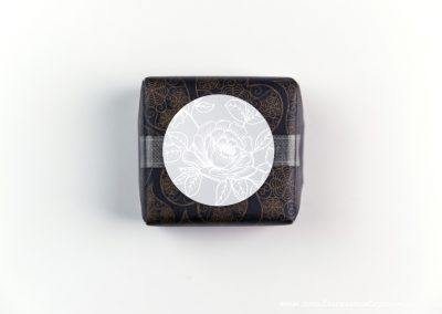 convite-casamento-personalizados-sabonete-shine-photo-black-white-01